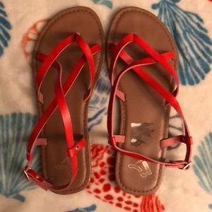 Red Report sandals